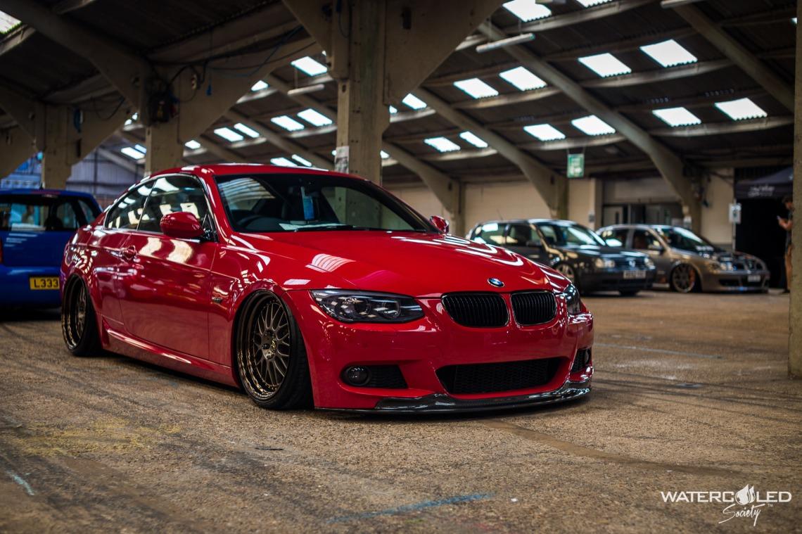 e92 red