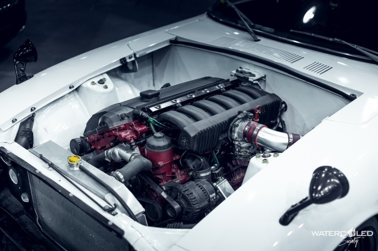 white 240z engine